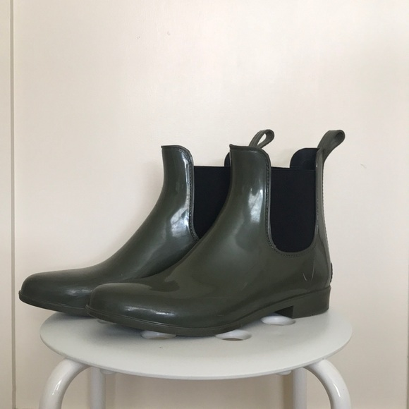 b07eb8ede40 J. Crew Shoes - Jcrew Ankle Rainboots